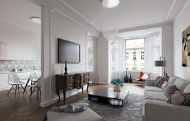 3 bedroom apartments for sale in Praha 2. Three bedroom apartment in a historic building on the waterfront in the city center, Prague 2 area