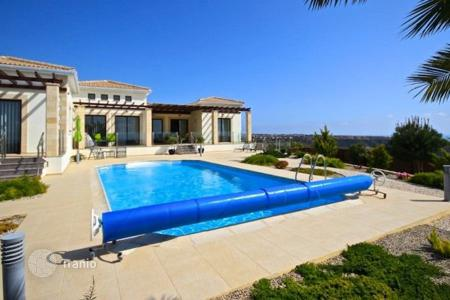 Chalets for sale in Paphos. 3 Bedroom Detached Property, Cul De Sac Location, Sea Views — Secret Valley