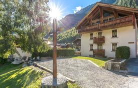 Property for sale in Chamonix. Apartment – Chamonix, Auvergne-Rhône-Alpes, France
