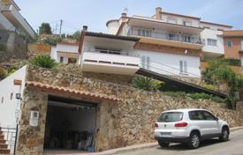 3 bedroom houses for sale in Costa Brava. House in urbanization de Sant Llorenc