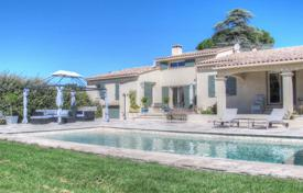 Property for sale in Cucuron. Close to Lourmarin — Superb villa