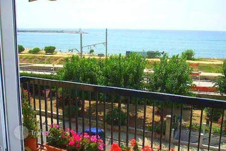 4 bedroom apartments for sale in Arenys de Mar. Beachfront apartment of 4 bedrooms in Arenys de Mar, Barcelona
