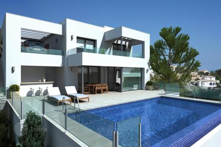 Off-plan houses with pools for sale in Costa Blanca. Spacious villas under building, Cumbre del Sol, Spain