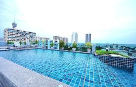 Cheap apartments for rent with swimming pools in Chonburi. Furnished apartment in a modern condominium with a roof-top pool, at 350 meters from the sea, Pattaya, Thailand