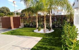 Houses with pools for sale in Cambrils. Villa – Cambrils, Catalonia, Spain