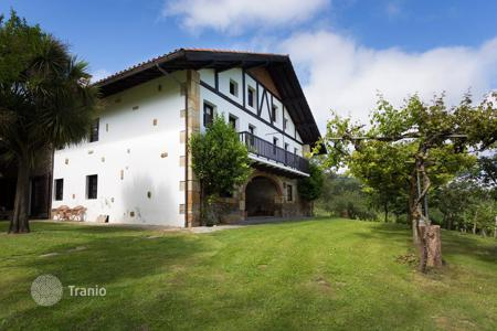 Luxury houses for sale in Northern Spain. Villa located in the natural park of Butron, Bilbao, Spain