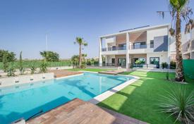 Townhouses for sale in Valencia. 3 Bedroom townhouse with large garden in El Raso, Guardamar
