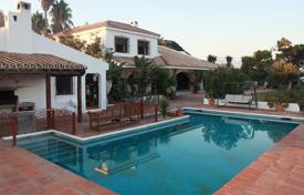 Houses with pools by the sea for sale in Spain. Traditional farmstead with a private garden, stables, a swimming pool, a tennis court and bungalow, Manilva, Spain