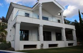 Luxury 4 bedroom houses for sale in Marbella. Superb New Modern Villa, Cascada de Camojan, Marbella Golden Mile (Marbella)