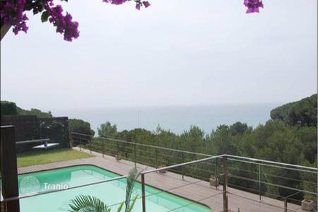 Houses for sale in Arenys de Mar. Villa – Arenys de Mar, Catalonia, Spain