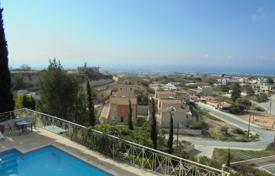 Coastal property for sale in Mesa Chorio. Four Bedroom Luxurious Villa with separate Annex & stunning coastal views REDUCED