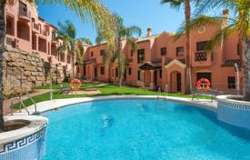 Townhouses for sale in Estepona. Town House for sale in Estepona