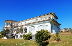 Spacious furnished 2-storey villa with land and parking in the suburb of Thessaloniki for 1,500,000 €
