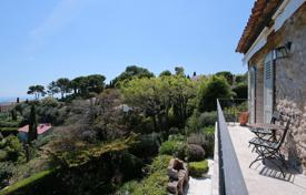 Luxury 4 bedroom houses for sale in Mougins. Mougins — Sea and mountain view