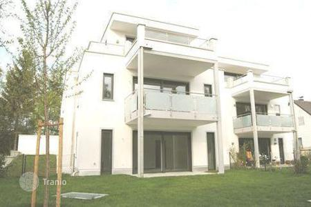 3 bedroom apartments for sale in Bavaria. Exclusive apartment in the park in Munich