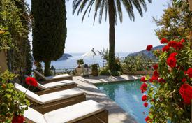 Luxury 5 bedroom houses for sale in Villefranche-sur-Mer. Stone villa with stunning sea views Villefranche-sur-Mer, Côte d'Azur, France