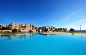 Apartments for sale in Famagusta (Gazimağusa). Stylish apartment with a balcony and panoramic views in the exclusive, gated community on the coast, in the town of Famagusta