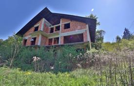 Houses for sale in Rogaška Slatina. The Property plot is 2,365 m² and is located in a quiet hilly area of the spa forest near the centre of Rogaška Slatina