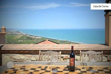 3 bedroom houses for sale in Abruzzo. Luxurious house in Silvi
