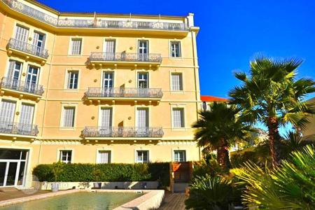 Cheap residential for sale in Beaulieu-sur-Mer. RARE in Beaulieu sur Mer: luxury one bedroom apartment with sea view in Belle Epoque building