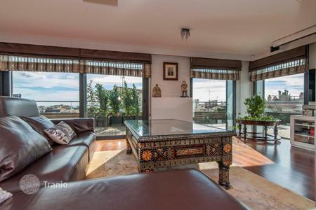 Luxury 4 bedroom apartments for sale in Spain. Three-level penthouse with an elevator, a private swimming pool and sunny terraces, in the district of Sant Gervasi-Galvany, Barcelona