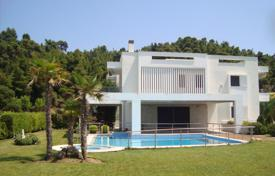 Apartments with pools for sale in Kassandreia. Apartment – Kassandreia, Administration of Macedonia and Thrace, Greece