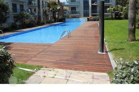 4 bedroom apartments for sale in Costa Brava. Spacious apartment in Lloret de Mar
