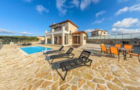 3 bedroom villas and houses to rent in Zakinthos. Equipped villa with terrace, garden with swimming pool and BBQ area, in 300 m from the sea, isle Zakynthos, Greece