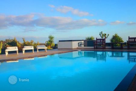 4 bedroom villas and houses to rent in Canary Islands. Villa - Canary Islands, Spain