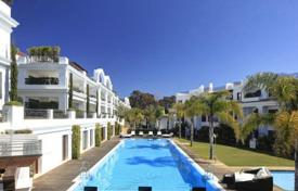 2 bedroom apartments for sale in Estepona. Comfortable apartment with a terrace and a sea view in a residential complex with a garden, a pool and a garage, Estepona, Spain