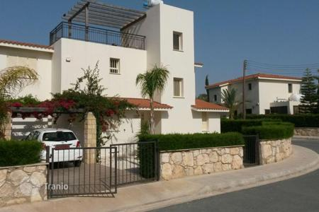 3 bedroom villas and houses to rent in Cyprus. Villa for a family holiday by the sea