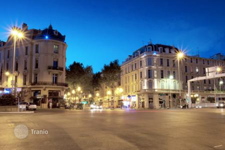 Cheap residential for sale in Cannes. Centre Cannes, bd Carnot, beautiful renovated studio 25 m²