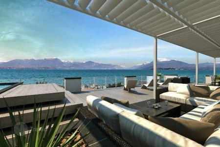 Luxury apartments with pools for sale in Italy. Apartment – Desenzano del Garda, Lombardy, Italy
