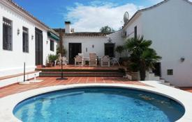 Spacious villa with a private garden, a patio, a pool and a garage, Mijas, Spain for 825,000 €