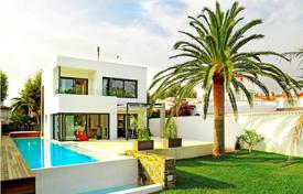 Luxury property for sale in Empuriabrava. Villa – Empuriabrava, Catalonia, Spain