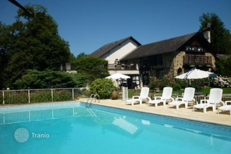 Residential for sale in Aquitaine. Villa – Pau, Aquitaine, France