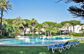 2 bedroom apartments for sale in Estepona. Apartment with a terrace in a residential complex with a garden, swimming pools and a tennis court, Estepona, Spain