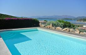 Villas and houses for rent with swimming pools in Sardinia. Villa – Capo Coda Cavallo, Sardinia, Italy