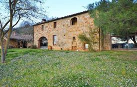 5 bedroom houses for sale in Trequanda. Ancient villa with a large vineyard, Trequanda, Tuscany, Italy