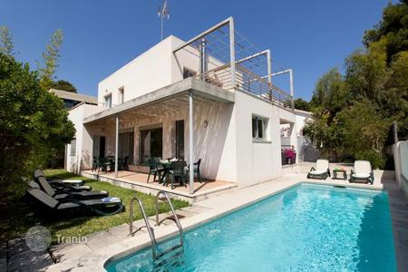 3 bedroom houses for sale in Balearic Islands. Modern villa with garden and swimming pool juat 300 m from the beach in Cala San Vicente, Pollensa, Mallorca, Balearic Islands, Spain