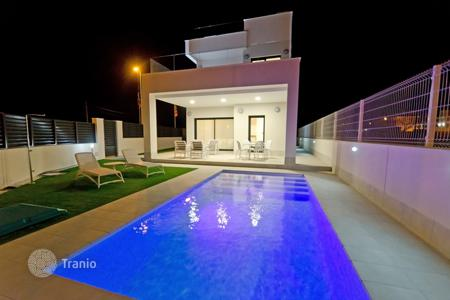 3 bedroom houses for sale in La Marina. Villa - La Marina, Valencia, Spain