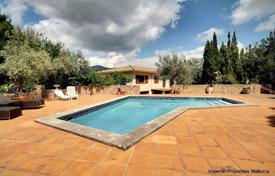 Spacious villa with a terrace, a backyard, a swimming pool, a relaxation area, a garden and a garage, Puigpunyent, Spain for 1,250,000 €