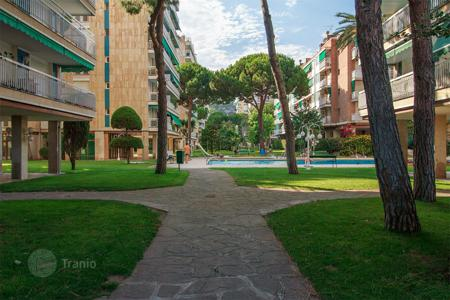 Residential for sale in Sant Vicenç de Montalt. Flat for sale in Sant Vicenc de Montalt, 1st line from the sea