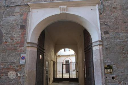 Residential for sale in Pavia. Spacious apartment in Pavia