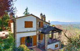 Property for sale in Marche. Farmhouse restored for sale in Le Marche