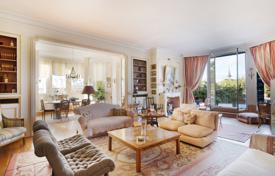 Luxury apartments for sale in Boulogne-Billancourt. Boulogne North – With a superb over 220 m² terrace