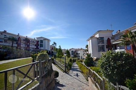 2 bedroom apartments for sale in Mijas. This apartment is located in Riviera del Sol and has amazing sea views