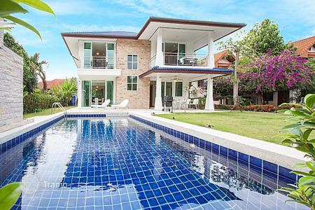 5 bedroom villas and houses by the sea to rent in Thailand. Villa – Pattaya, Chonburi, Thailand