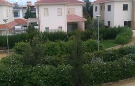 5 bedroom houses for sale in Nicosia. 4 plus 1 Bedroom house in Strovolos