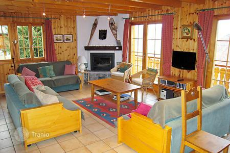 5 bedroom villas and houses to rent in Central Europe. Detached house – Riddes, Valais, Switzerland